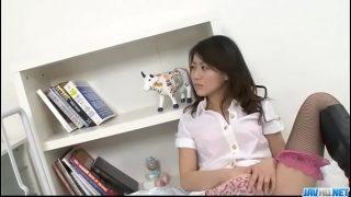 Hina Aisawa smooth Asian threesome on cam –