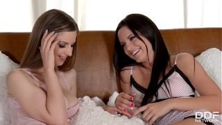 Lesbians Vanda Lust & Stella Cox ass fucked while licking each other in 69