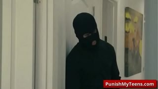 Submissived XXX Bandits Of Bondage with Sophia Leone video-01